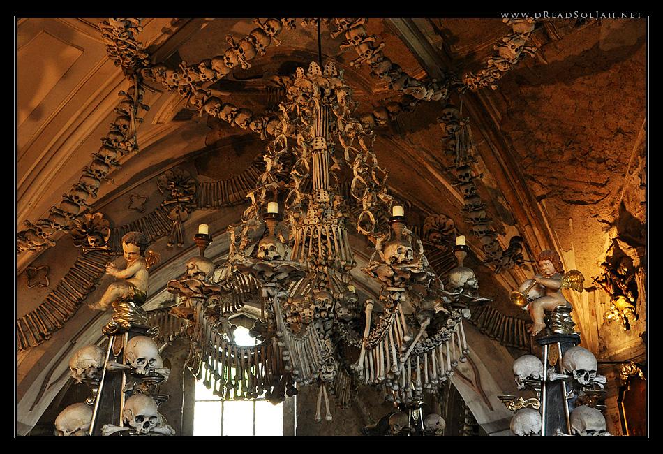 Knochenleuchter