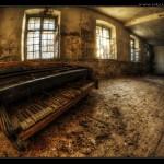 Kaputtes_Klavier_Desktop