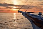 Boot-im-Sonnenuntergang-Rovinj-web
