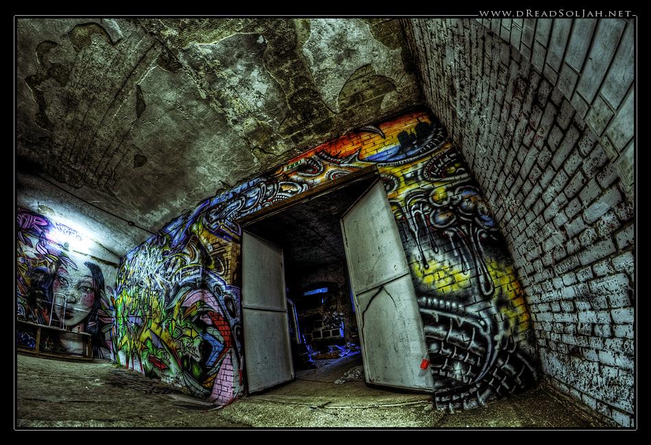 graffiti_action_3_desktop