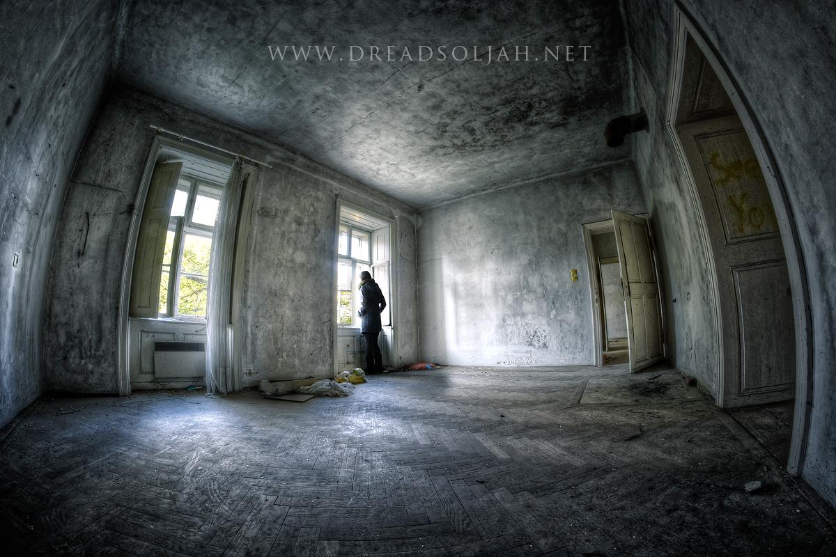 the-room-in-the-villa-web